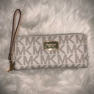 MK Continental Travel Wallet